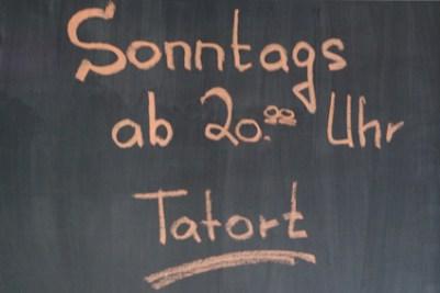 Bonn Kneipe Tatort gucken auf Leinwand