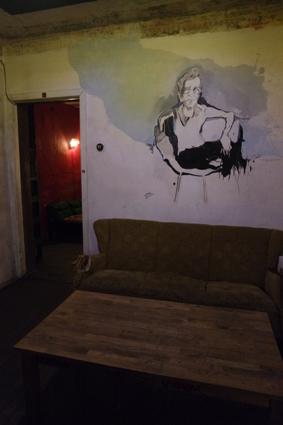 Chomsky Bar riga alternative Kneipe Riga Craft Beer junge Szene Riga Lettland hipp people in Riga