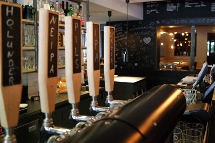 Brexx Craft Beer Höhr Grenzhausen Hotel Zugbrücke Eventlocation Bowling Keramik