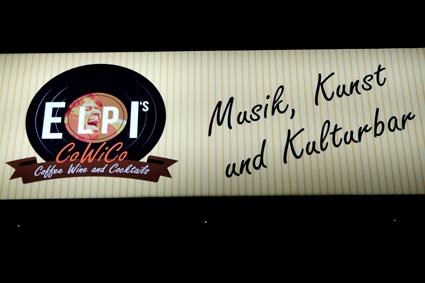 Cocktails Bar Kneipe gut für ein Bier Bonn Bad Godesberg Tipp Livemusik Konzerte Kneipenkonzerte Tipp Glas Wein Godesberg