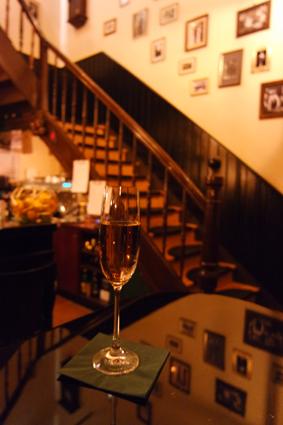 Leibhaus Bonn Bar Tipp Bad Godesberg weggehen ausgehen trinken gehen Bonn Cocktails Kir Royal Zwanziger Jahre