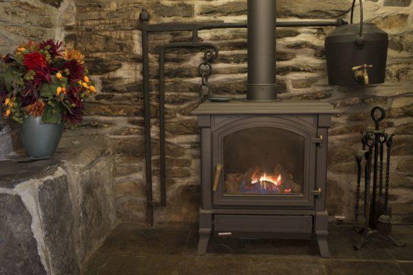 Ty Mari fireplace