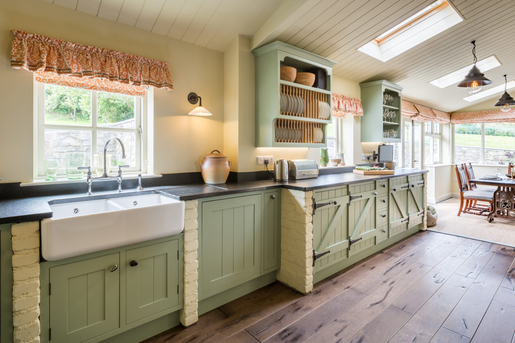 Painted Country Kitchen Winchester