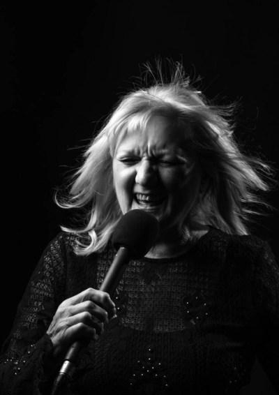 Heather Jones - Arloeswyr Pop Cymraeg Pioneers of Welsh Pop