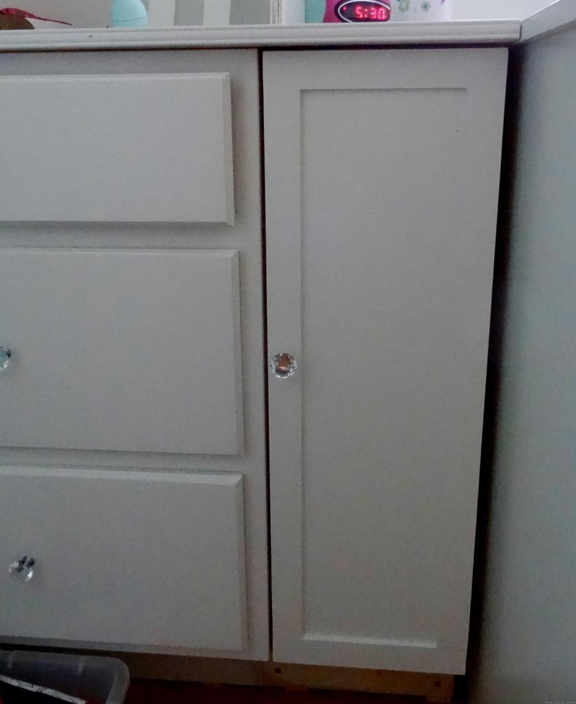 built-in drawers and cabinet in bedroom