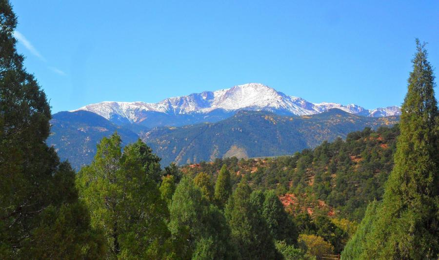 view of pike's peak colorado