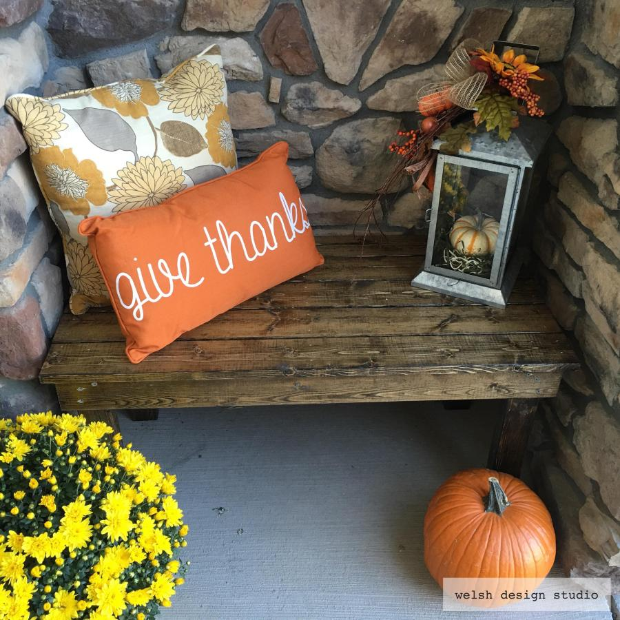 easy diy bench for Fall front porch