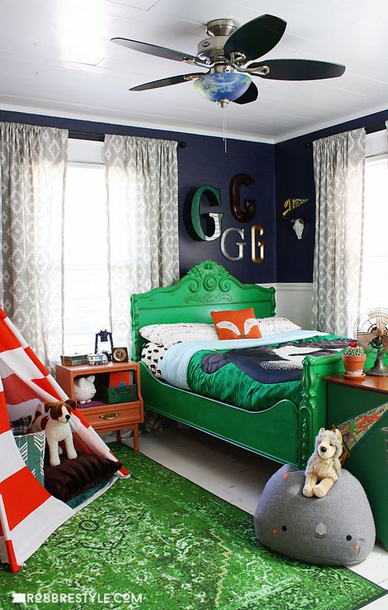 navy and green boys bedroom