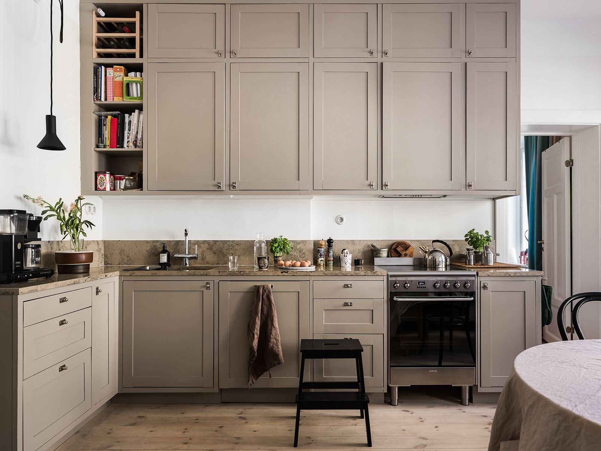 Beautiful Kitchen Cabinet Paint Colors (That Aren't White ...