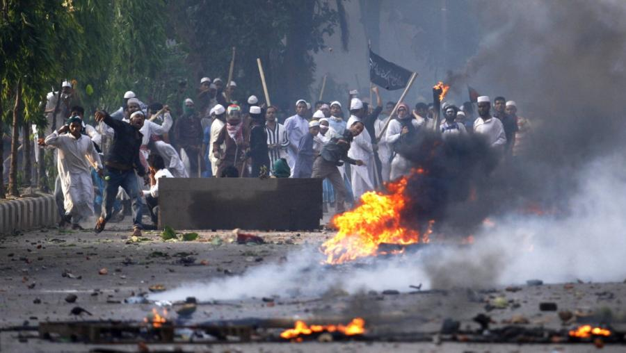 Anhänger der Hefajat-Bewegung auf den Straßen von Bangladeshs Hauptstadt Dhaka