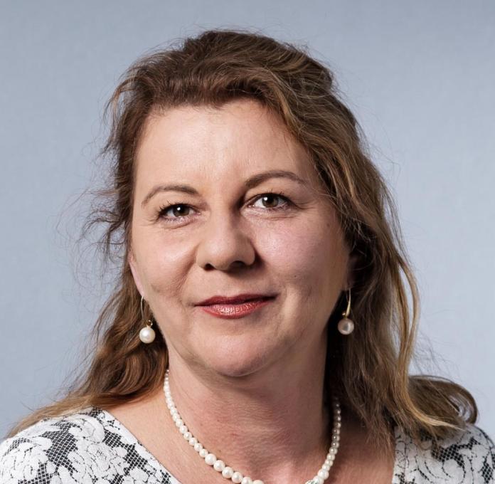 Kira Hanser