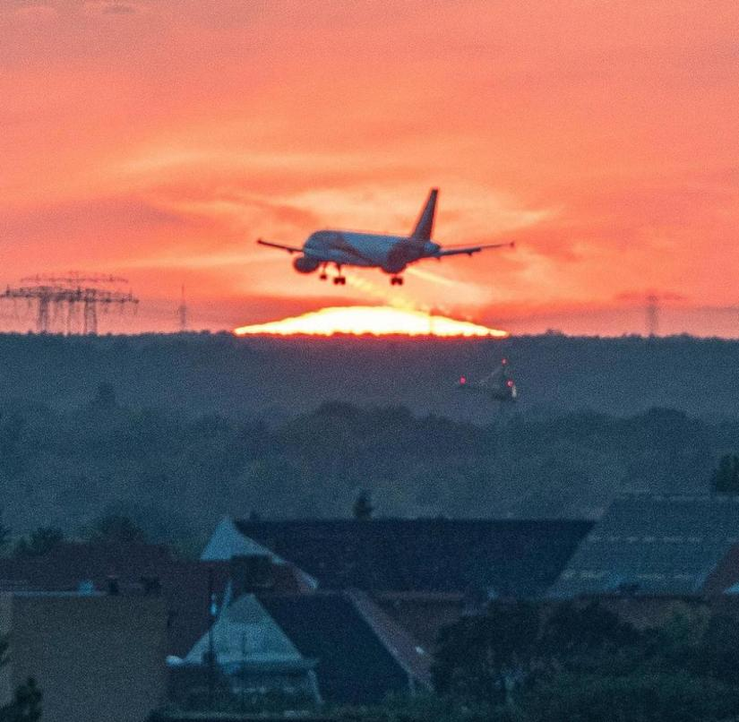 The federal government is currently trying to get stranded Germans from abroad by plane