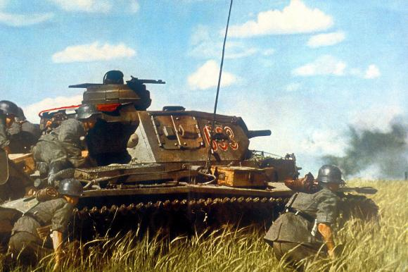 https://i2.wp.com/www.welt.de/img/history/crop102067310/6250718147-ci3x2l-w580-aoriginal-h386-l0/UBar-0-1-TEASER-Panzer-BM-Lifestyle-HOHHOT.jpg