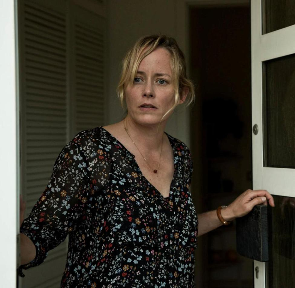 Anja (Silke Bodenbender) is desperate.  Is her husband a killer?