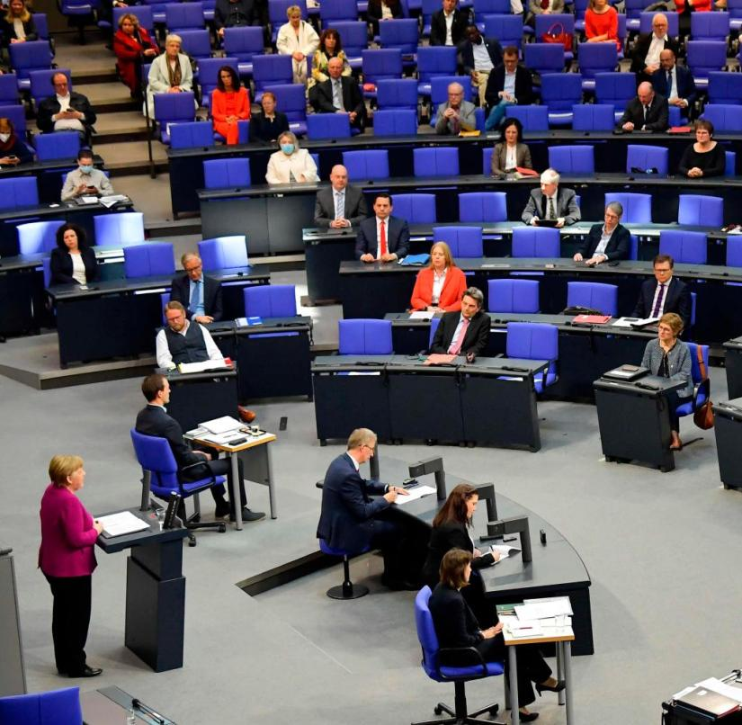 Political life no longer determined the sequence of debates in the Bundestag, but the regular meetings of the heads of government. This state has now ended