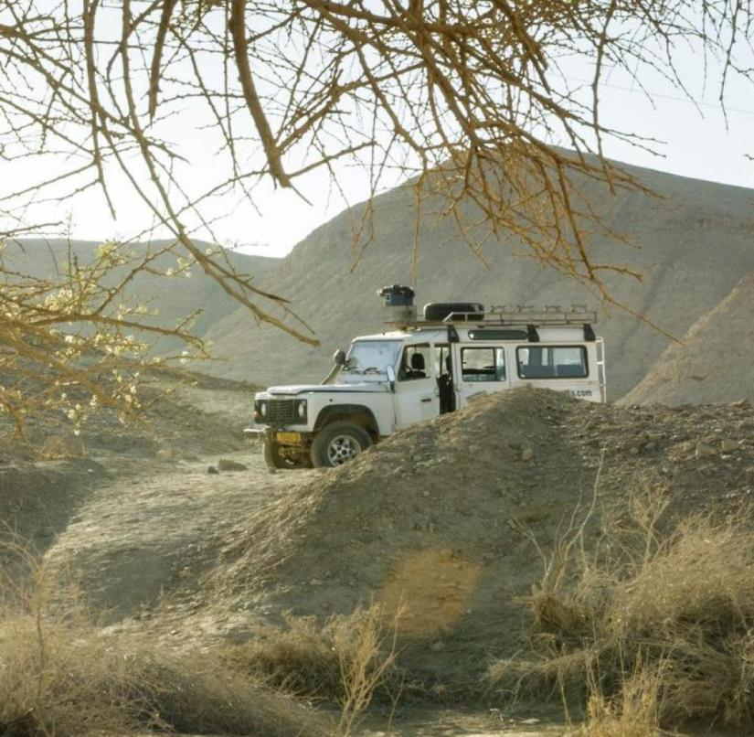 Negev desert in Israel: The best way to explore the Maktesh Ramon crater is by jeep