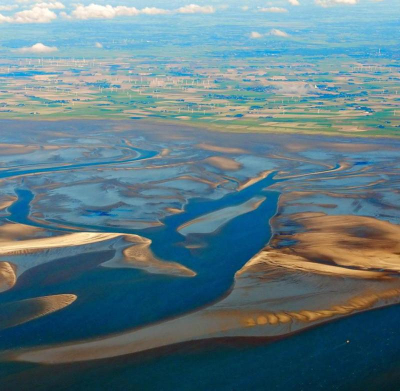 The North Frisian Wadden Sea: Blue Ort sand on the right front, Blauort on the far right