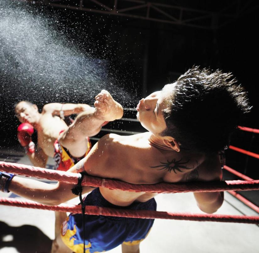 Muay Thai in Thailand: Not only do your fists fly in Thai boxing, but also your feet, knees and forearms