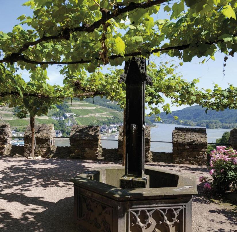 Rheinstein Castle, Trechtingshausen, Unesco World Heritage Site, Upper Middle Rhine Valley, Rhineland-Palatinate, Germany