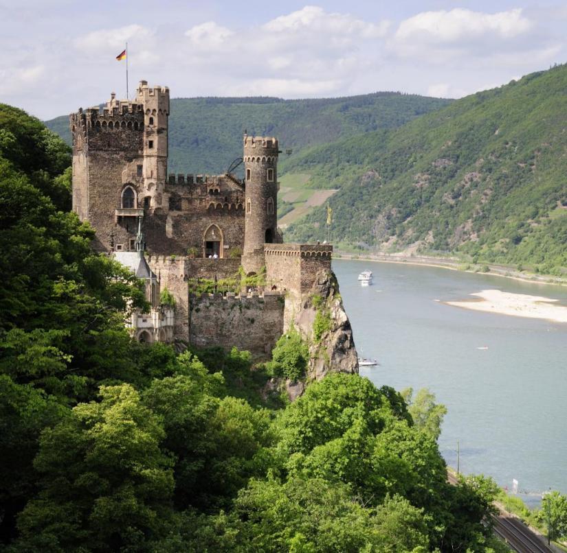 Rhineland-Palatinate: Rheinstein Castle is 90 meters above the Rhine on a steep, jagged ledge