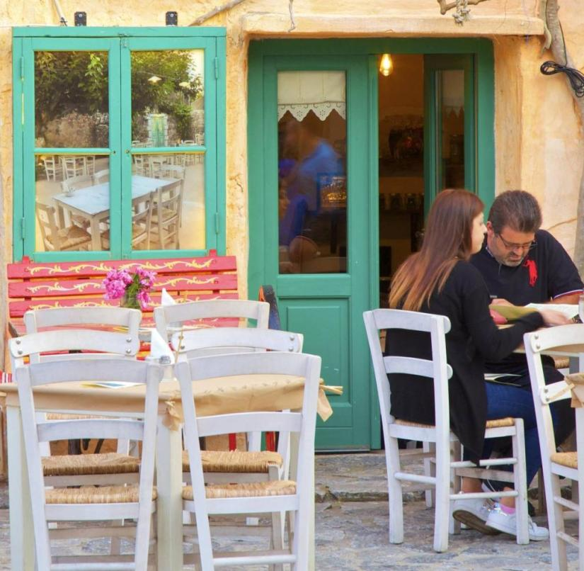 Peloponnese (Greece): Traditional tavern in Areopoli, the capital of the Mani peninsula