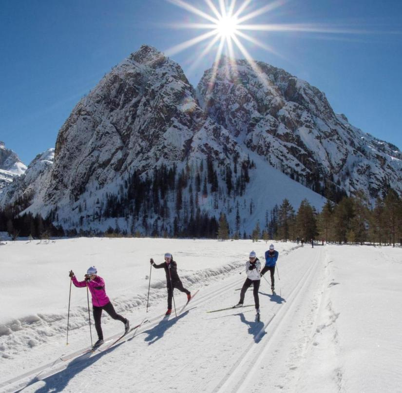 Cross-country skiing in the Dolomites: The tour is suitable for both beginners with a little skill and advanced skiers