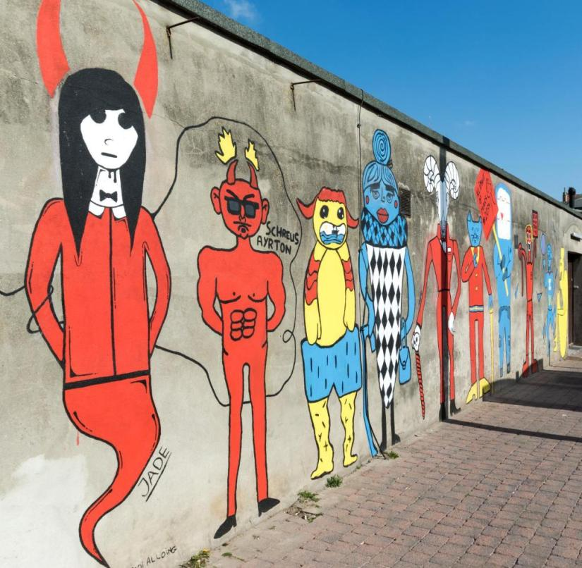 Ostend (Belgium): These figures painted Belgian students
