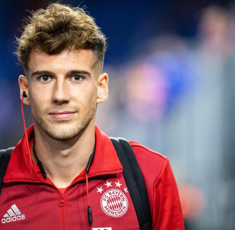 Gelsenkirchen, Germany, September 22nd, 2018: 1st BL - 18/19 - FC Schalke 04 vs. Bayern Muenchen Leon Goretzka (FC Bayern München / Muenchen) Portrait / Face DFL regulations prohibit any use of photographs as image sequences and / or quasi-video. | Use worldwide