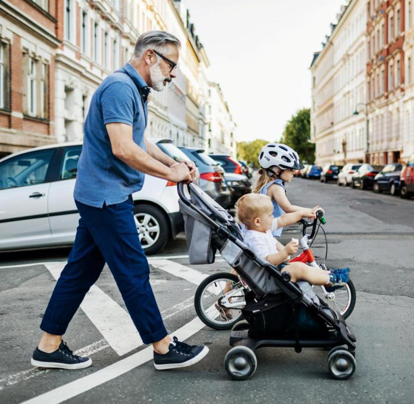 Is everything safe in the buggy and on the Woom bike?  (Grand) parents like to spend large sums of money on protecting their offspring