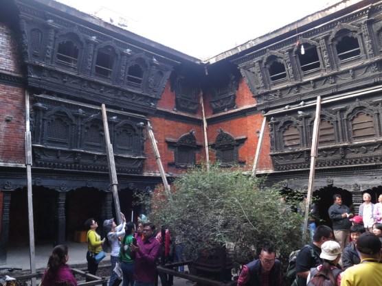im Innenhof des Kumari-Tempels