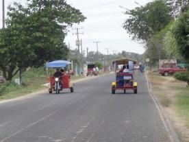 Zwischen zwei Dörfern gab es einen intensiven Tuktukverkehr