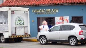 Werbeaktion vor einer Apotheke