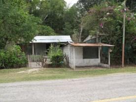 Ladengeschäft mit Wohnhaus für eine Familie