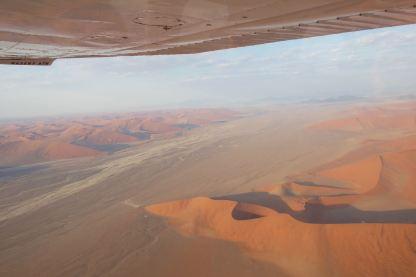 Namibia-Flug-Namib-Duenen-rot