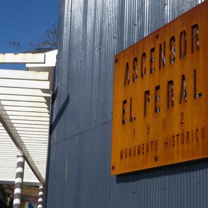 Chile-Valparaiso-Ascensor