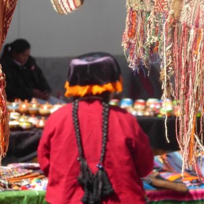 Peru-SacredValley-Markt-Frau