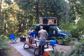 Kanada-VancouverIsland-CamperVan-mit-Zelt