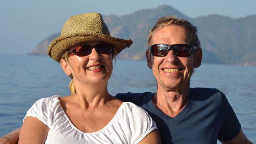 Die Crew von Weltreise-Logbuch: Elke Zapf und Wolfgang Eckar