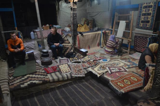 Im 'Old House', hier werden Teppiche in Handarbeit gefertigt