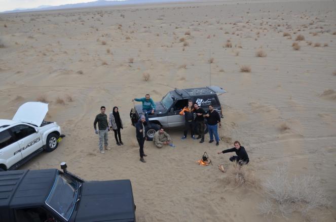 Tee und Früchte in der Wüste