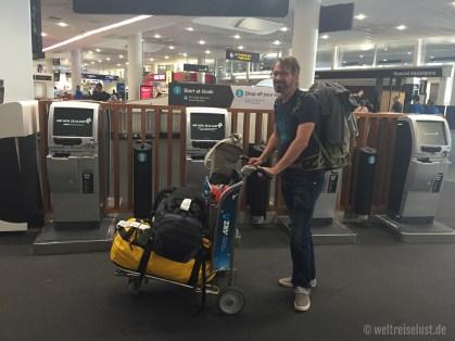 Mit Sack und Pack nach Sydney- sehr praktisch: der self-checkin von Air New Zealand