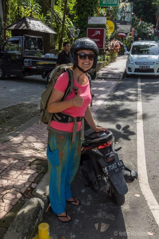 Immer schön mit Helm fahren - auch bei der HItze :-)