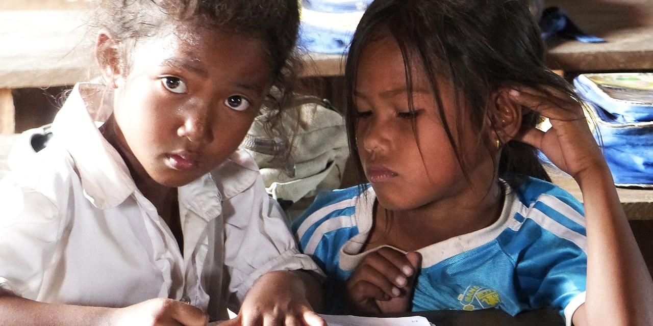 Video aus unserer Zeit bei der Hilfsorganisation (Tree for hope) – Schuhe für 835 Kinder von 3 selbsterbauten Schulen