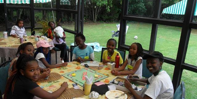 wendo-retreat-kenya-meal-time