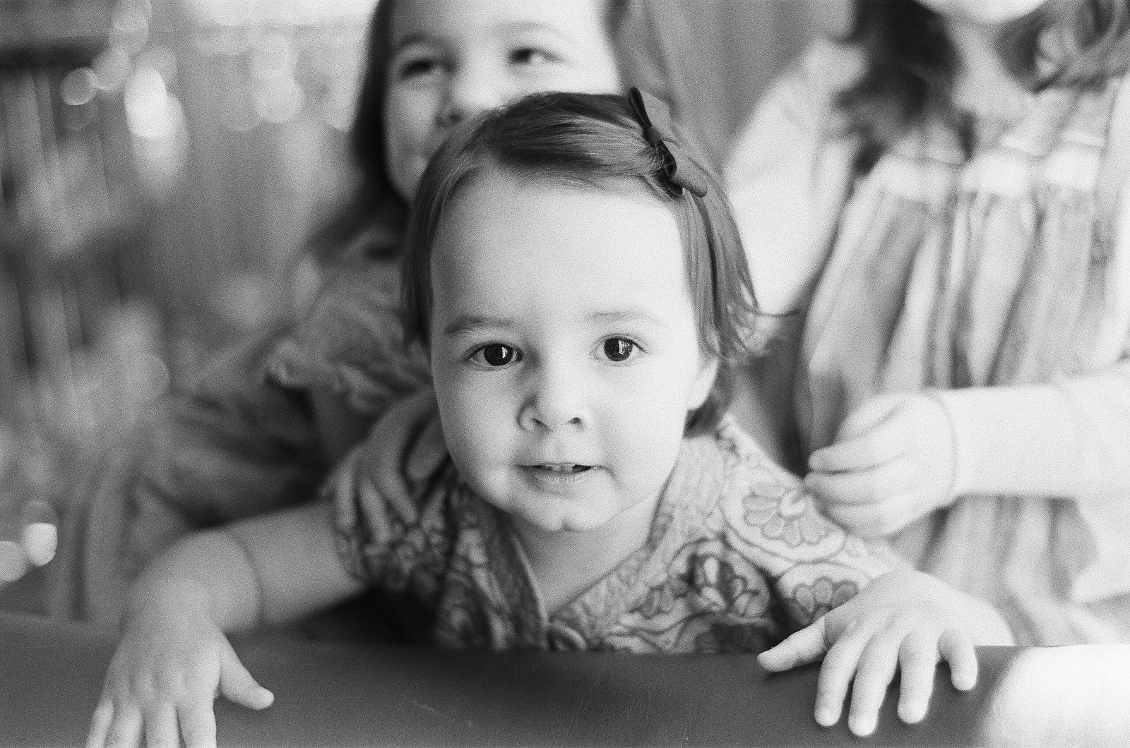 bnw portraits of siblings by wendy g photography