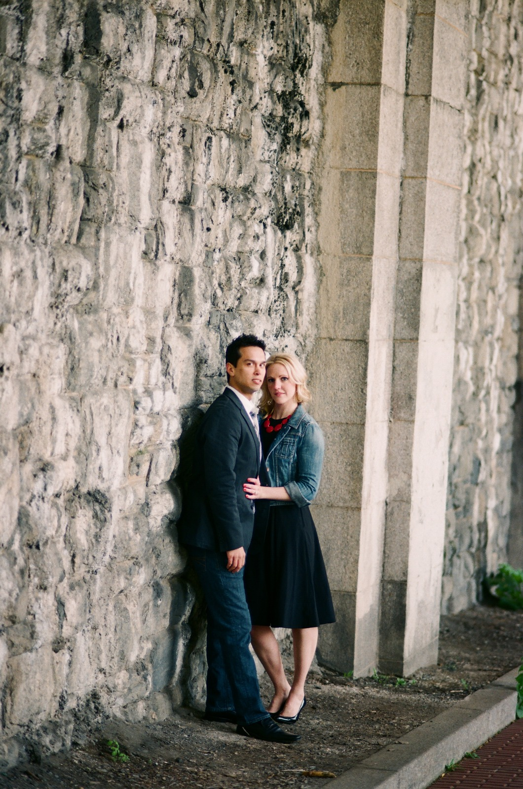 engaged couple at fort tryon park wendy g photography