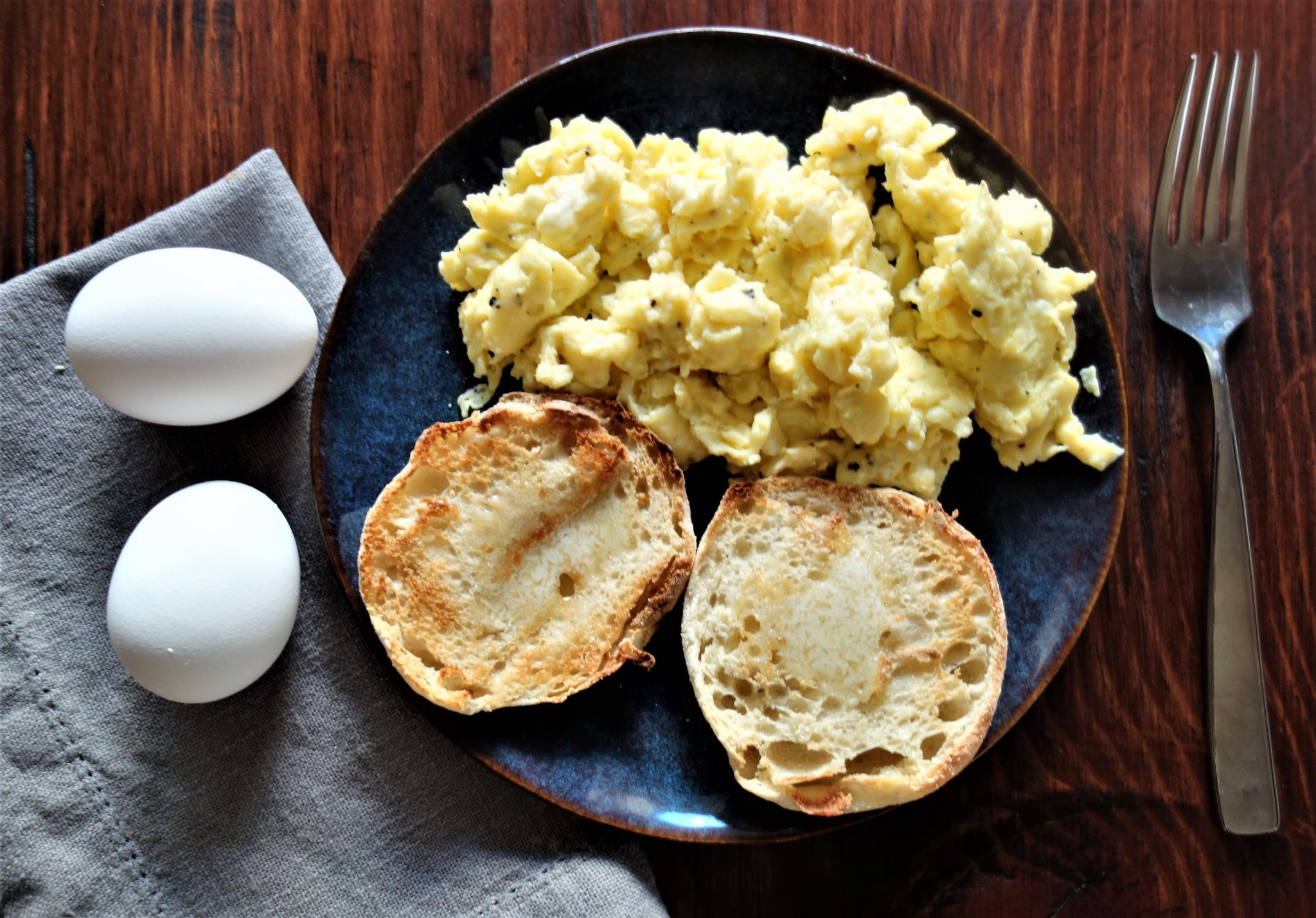 Scrambled Eggs: Perfect and Fluffy