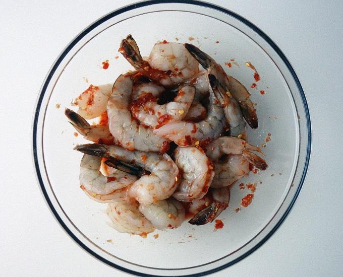 Chili and Maple Syrup Glazed Shrimp