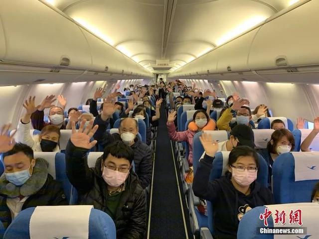 疫情之下,那些滞留海外签证到期的中国游客…(组图)