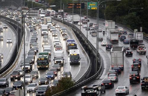 在家上班好处多!新冠肺炎让美国的交通变好了?